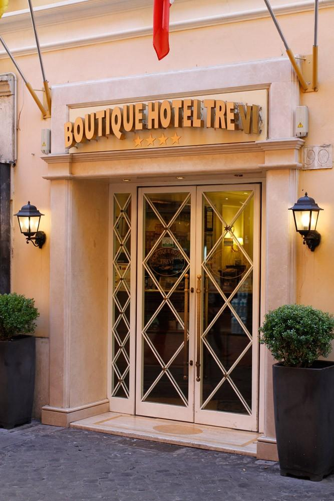 BOUTIQUE TREVI
